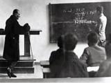 Atatürk Alfabeyi tanıtıyor Yapbozu
