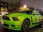Fıstık Yeşili Ford Mustang