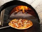Odun Ateşinde Pizza