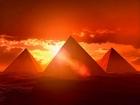 Piramitlerin Arasındaki Güneş Yapbozu