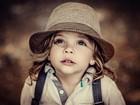 Şapkalı Güzel Kız