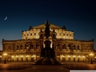 Semperoper-Opera Binası